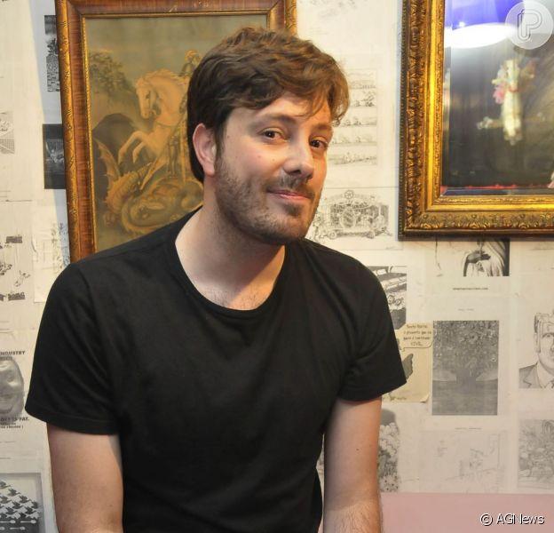 Danilo Gentili é a arma da Record para alavancar a audiência da emissora no próximo domingo, 8 de dezembro de 2013