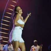Ivete Sangalo canta e exibe os pernões em show de Réveillon em Maceió