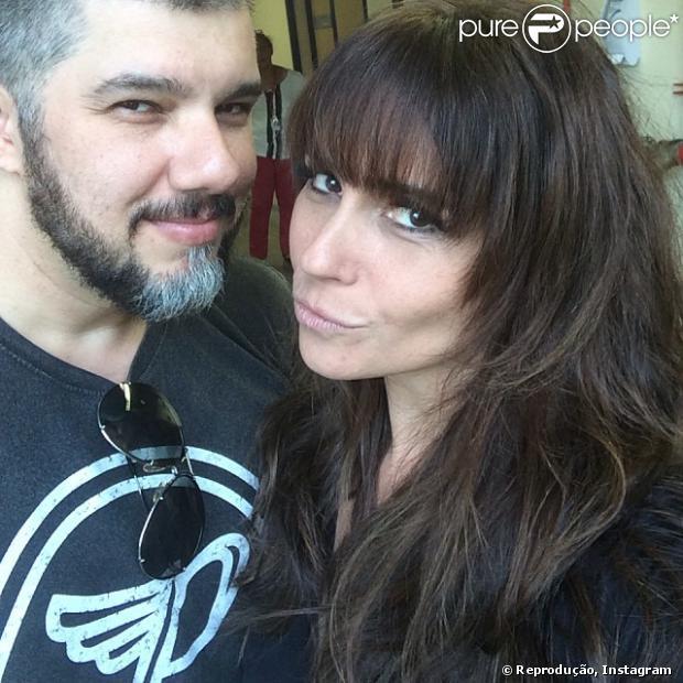Giovanna Antonelli muda o visual e adota franjinha para sua personagem de 'Em Família'. A atriz publicou a foto do novo cabelo em seu Instagram em 9 de dezembro de 2013