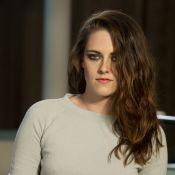 Novo rosto da Chanel, Kristen Stewart deixa barriga à mostra em evento da grife