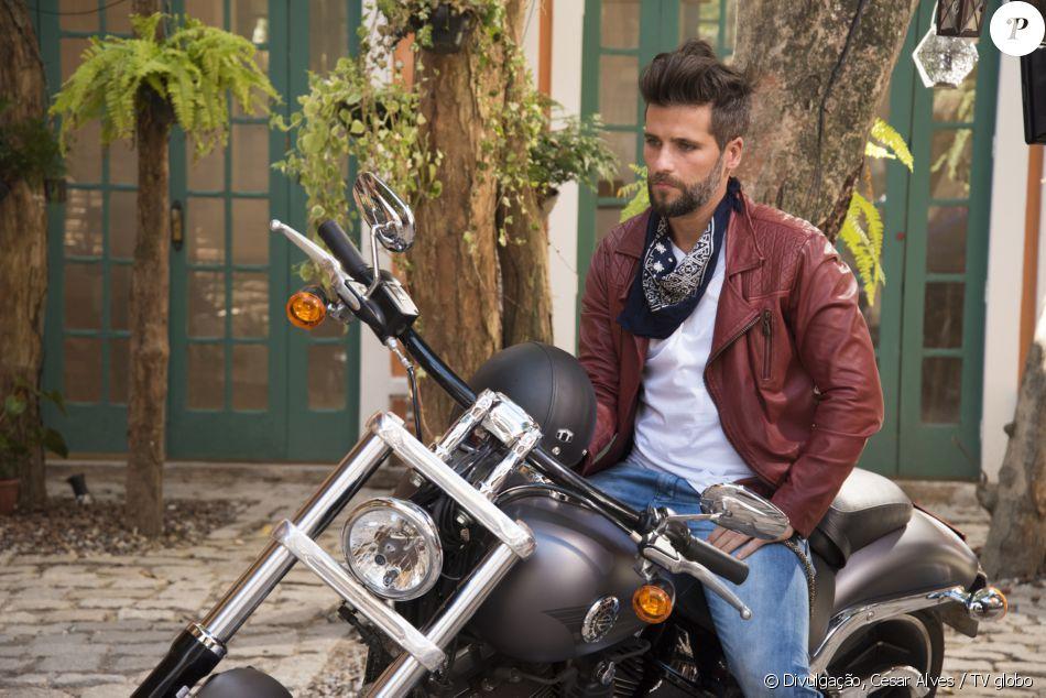 Mario (Bruno Gagliasso) sofre acidente de motocicleta, no capítulo que vai ao ar na quarta-feira, dia 12 de outubro de 2016, na novela 'Sol Nascente'