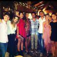 Paula Morais postou uma foto com Cleo Pires e os outros primos reunidos no Natal