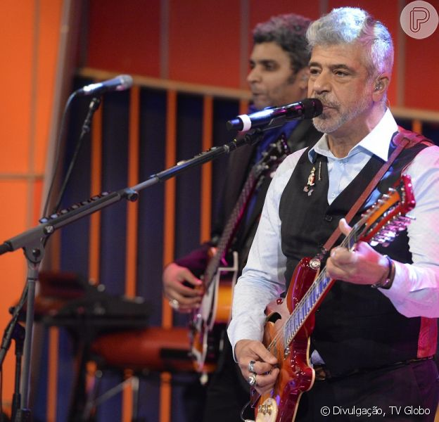 Lulu Santos e Carlinhos Brown tiveram seus cachês inflacionados por causa do 'The Voice Brasil'. Os artistas receberão R$ 550 mil cada um para se apresentarem no Réveillon de Copacabana, no Rio