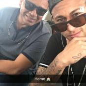 Neymar volta para casa, em Barcelona, após se machucar em jogo do Brasil. Foto!