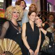 Leandra Leal posa na sessão de gala de seu filme, no Rio