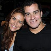 Thiago Martins curte programa romântico com Paloma Bernardi após admitir crise