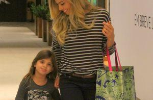 Grazi Massafera corta as pontas do cabelo da filha: 'Sou a única com permissão'