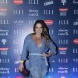 Renata Dominguez exibiu um modelito total jeans composta por Blusa Levis, Strappy Laura Novaes, Saia Dimy e sandálias Cecconello,no desfile do 'Elle Fashion Preview', no AquaRio, na noite desta terça-feira, 11 de outubro de 2016
