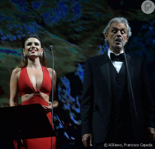 Paula Fernandes se apresentou com o tenor italiano Andrea Bocelli, nesta quinta-feira, 13 de outubro de 2013