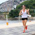 Glenda Kozlowski      correu na orla da Zona Sul do Rio de Janeiro, nesta terça-feira, 17 de dezembro de 2013