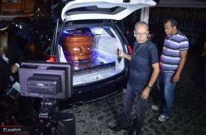 Corpo do cantor Reginaldo Rossi é velado em Pernambuco; veja fotos