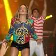 Claudia Leitte anima o público do seu show