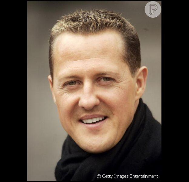 Schumacher sofreu grave queda nos Alpes Frances quando esquiava em dezembro do ano passado; piloto está internado e o estado de saúde dele é crítico