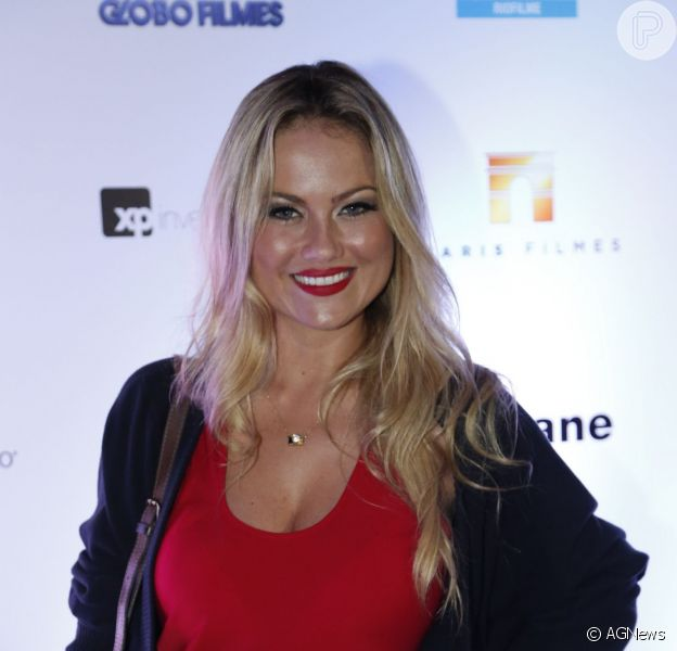 Ellen Rocche ficará na TV Globo por mais dois anos, em 17 de janeiro de 2014