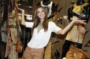 Alessandra Ambrósio lança linha de roupas; peças custam até R$ 1 mil