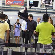 'Amor à Vida': Félix faz striptease em aeroporto e evita fuga de Aline. Fotos!