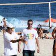 Rodrigo Hilbert curte praia nesta terça-feira 28 de janeiro de 2014