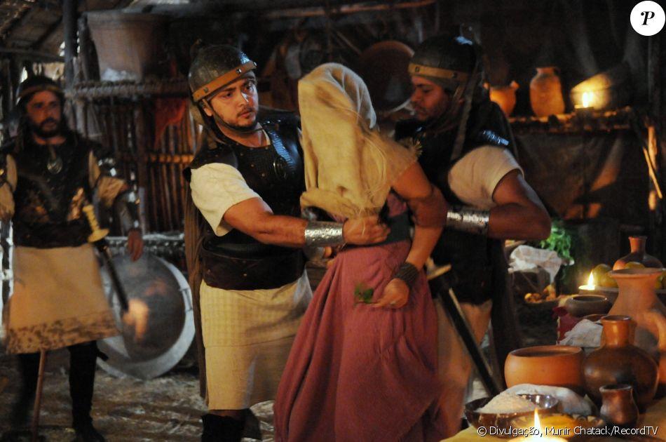 Samara (Paloma Bernardi) é raptada por cananeus, por engano, no lugar da meia-irmã, Aruna (Thais Melchior), nos próximos capítulos da novela 'A Terra Prometida'