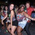 Paloma Bernardi dançou com os moradores de Duque de Caxias, na Baixada Fluminense