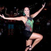 Carnaval: Paloma Bernardi samba embaixo de chuva em ensaio de rua da Grande Rio