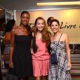 Cris Vianna, Juliana Booler e Manuela do Monte posam juntas para foto
