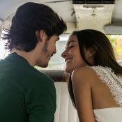 Yasmin e Zac dão 1º beijo em 'Rock Story' e atores comentam: 'Romeu e Julieta'