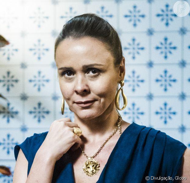Giulia Gam não faz mais parte do elenco de 'Novo Mundo', como confirmou a assessoria de imprensa da Globo ao Purepeople nesta segunda-feira, 30 de janeiro de 2017