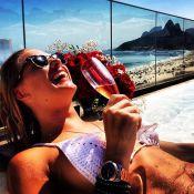 Fiorella Mattheis comemora aniversário de 26 anos com champanhe e piscina
