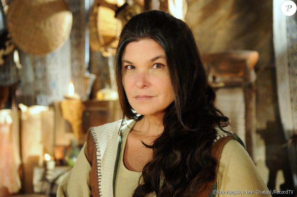Mara (Cristiana Oliveira) morre assassinada, no capítulo desta segunda-feira, 6 de março de 2017, da novela 'A Terra Prometida'