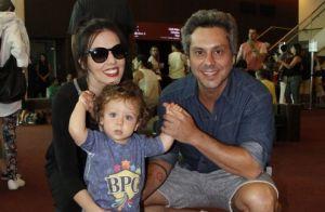 Filho de Alexandre Nero e Karen Brusttolin, Noá esbanja fofura em teatro. Fotos!