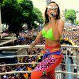 Anitta arrastou uma multidão pelas ruas do Rio
