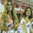Fátima Bernardes e Nicole Bahls curtiram o desfile das campeãs em camarote da Sapucaí