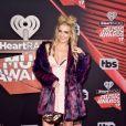 A atriz e cantora Rydel Lynch apostou em um visual curiososo para o iHeartRadio Music Awards, que aconteceu na Califórnia, Estados Unidos, na noite deste domingo, 5 de março de 2017