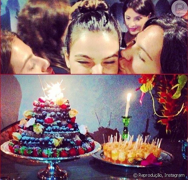 Isis Valverde ganhou festa surpresa para o seu aniversário de 27 anos no domingo, dia 16 de fevereiro de 2014