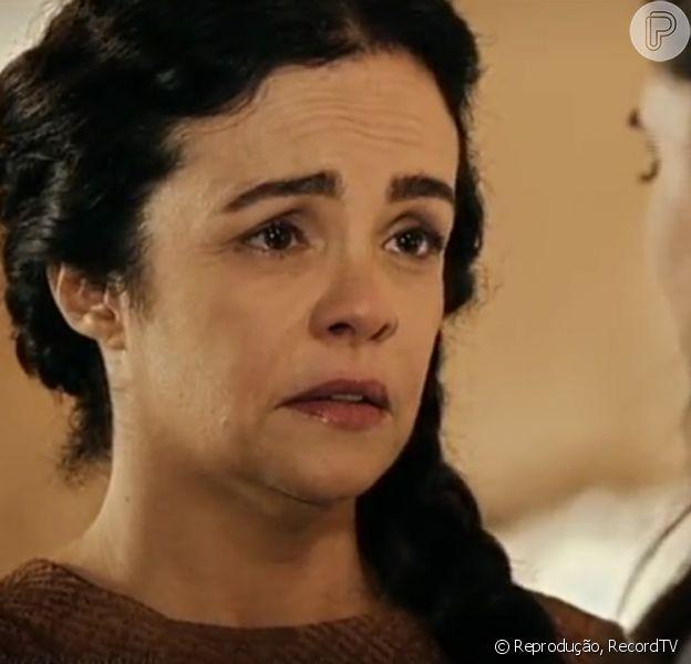 Yana (Luciana Braga) revela para Aruna (Thais Melchior) que é sua mãe biológica, no capítulo desta quarta-feira, 8 de março de 2017, da novela 'A Terra Prometida'