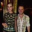 Bárbara Paz e famosas vão ao baile de carnaval da Vogue; evento de gala contou com convidados Vips em hotel de São Paulo