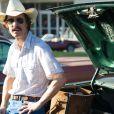 """Matthew McConaughey interpreta o eletricista com AIDS no filme """"Clube de Compras Dallas""""; papel lhe rendeu o prêmio de melhor ator no 'Globo de Ouro'"""