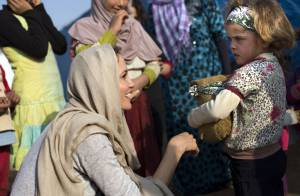 Angelina Jolie visita crianças sírias refugiadas no Líbano: 'Parte o coração'