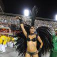 Mariana Rios desfila pela Mocidade, no Carnaval do Rio, e mostra sua boa forma em fantasia sensual