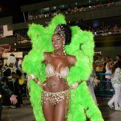 Cris Vianna é rainha de bateria da Imperatriz em desfile em homenagem ao Zico