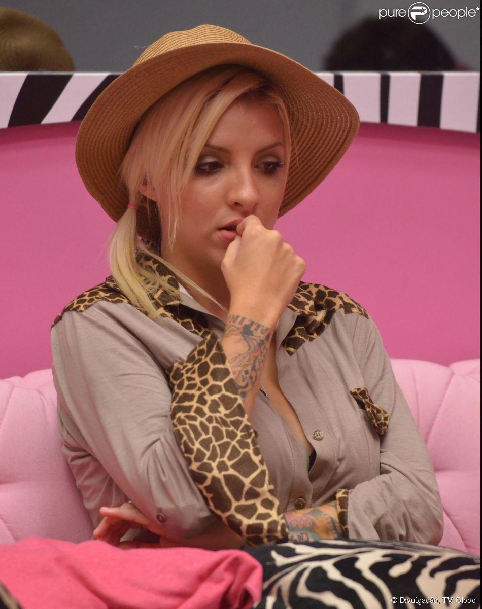 A mãe de Clara não quer entrar no 'Big Brother Brasil' (05 de março de 2014)