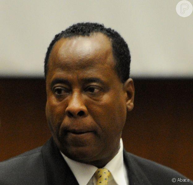 Conrad Murray, médico preso acusado por ser responsável pela morte de Michael Jackson, vai voltar a exercer a profissão