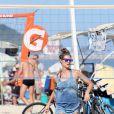 Fernanda Lima joga vôlei e exibe corpo em forma de biquíni na praia do Leblon, no Rio de Janeiro, neste sábado, 15 de março de 2014