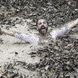 Hermes morre 'engolido' pela lama gulosa, em 'Além do Horizonte'