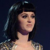 Katy Perry fica chocada ao ver coisas de John Mayer levadas do apartamento