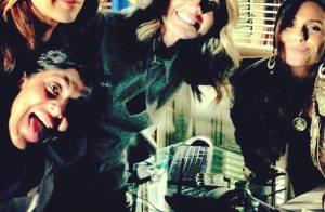 Thammy Miranda posta foto no set de 'Salve Jorge' ao lado de outras atrizes