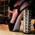 Para compor o look, Ana Maria Braga usou sapato da grife italiana Miu Miu