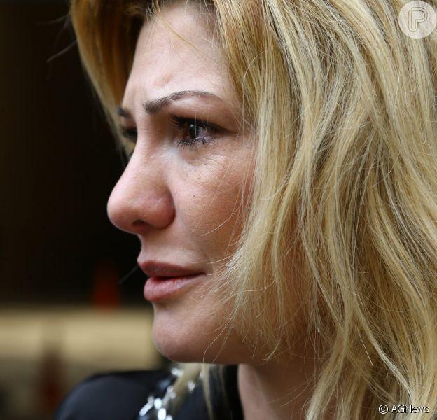 Antonia Fontenelle se emocionou com a decisão judicial desta quarta-feira (09 de abril de 2014)