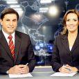 Carlos Nascimento ao lado da âncora Karyn Bravo no 'Jornal do SBT'
