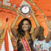 Suzana Pires, com o namorado, é homenageada como Rainha dos Gays na Viradouro